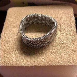 mesh ring.